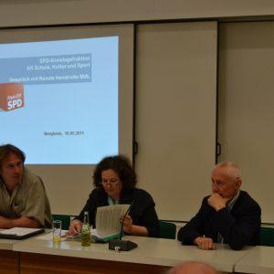 v.l.n.r.: Dieter Jung, Renate Hendricks MdL, Hans Krings