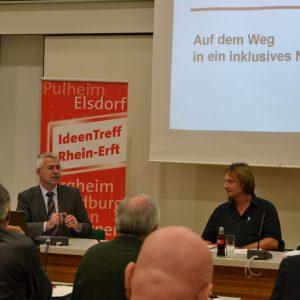 links: Norbert Killewald, Landesbeauftragter für die Belange der Menschen mit Behinderung; rechts: Dieter Jung, schulpolitischer Sprecher der SPD-Kreistagsfraktion
