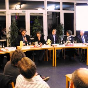Diskutierten gegen Rechts: Werner Goertz, Mathilde Koller, Guido van den Berg, Tessea Mollenhauer-Koch, Norbert Hebborn, Martina Peitsch und Volker Joest (v.l.n.r.)