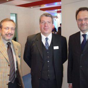 v.l.n.r.: Hans Günter Eilenberger, stv. Vorsitzender des WfG-Aufsichtsrates, Dipl.-Kfm. Bernd Hüster, Synapsis GmbH Erftstadt, Bernhard Hadel, SPD-Landratskandidat