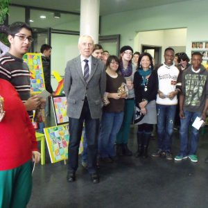 Präsentation der Weihnachtskarten-Aktion 2013 in der Paul-Kraemer-Schule in Frechen-Habbelrath
