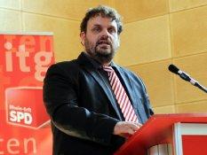 Guido van den Berg MdL auf dem SPD-Kreisparteitag 2014 in Bedburg-Kaster