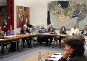 Parteiübergreifend diskutierten Politiker und Fachleute im Kreishaus über die Flüchtlingspolitik der Städte im Kreisgebiet.