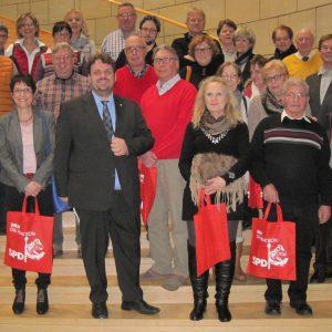 Besuchergruppe aus Königshoven besucht auf Initiative von Wilma Brings den Düsseldorfer Landtag