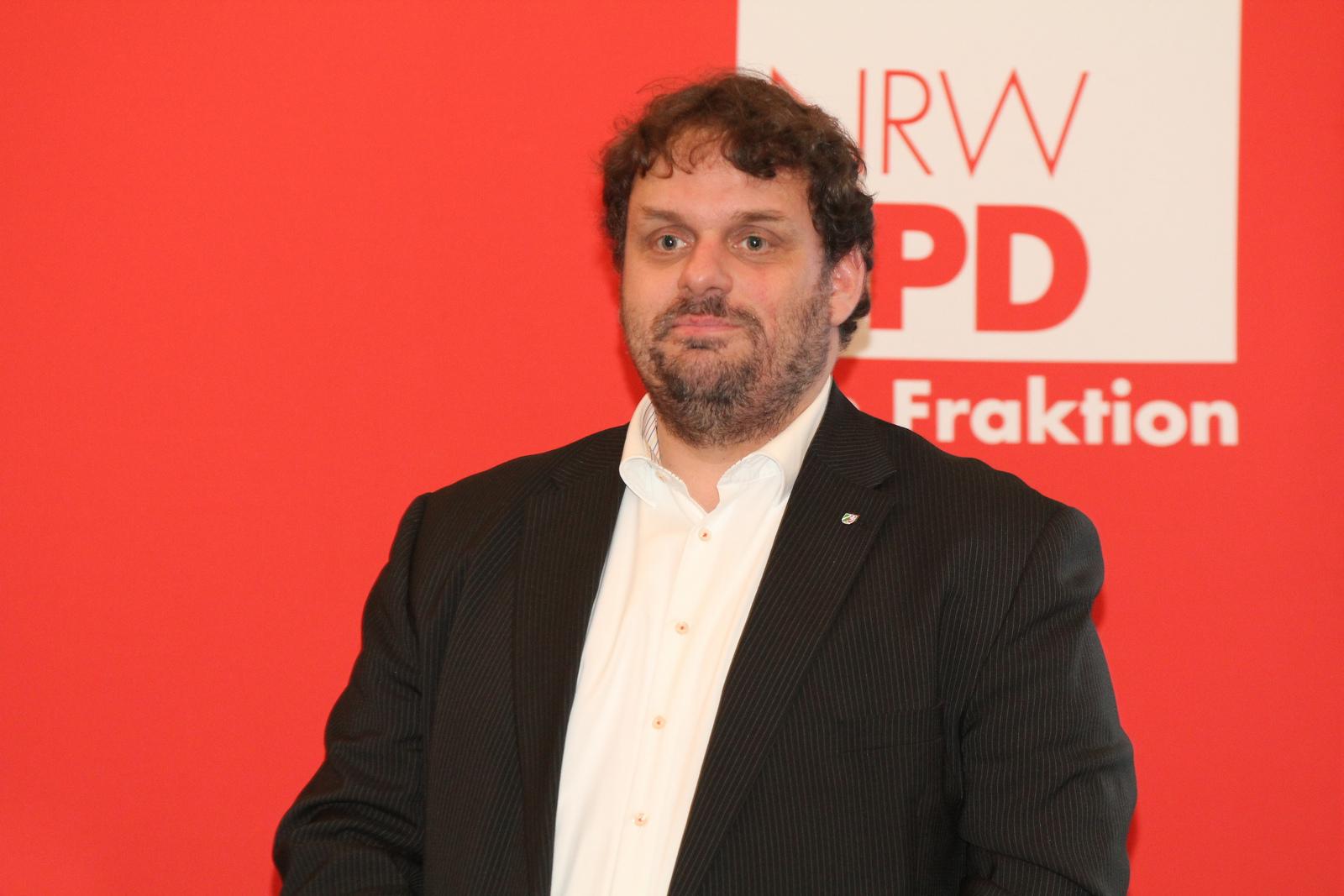"""Guido van den Berg MdL (2015-02-27 Fraktion vor Ort """"Heimat im Quartier"""")"""
