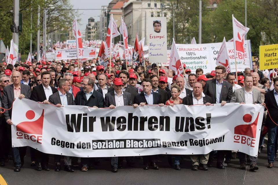 Spitze des Demonstrationszuges der IGBCE in Berlin
