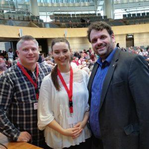 Michael Kremer, Julia Weitz und Guido van den Berg MdL