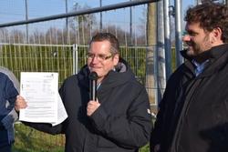 Bürgermeister Sascha Solbach und Guido van den Berg MdL