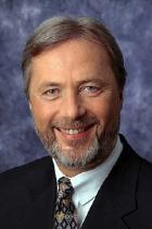 NRW-Innenminister Fritz Behrens