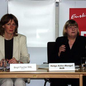 Birgit Fischer und Helga Kühn-Mengel MdB in Lechenich am 19.9.2002