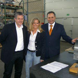 v.l.n.r.: Gründerehepaar Dirk und Petra Klüppelberg, Hardy Fuß MdL