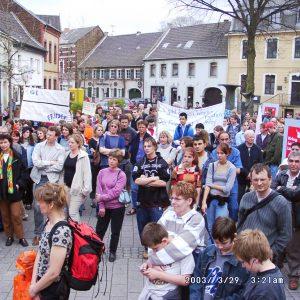 Friedensdemonstration auf dem Marktplatz in Bedburg