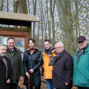 """SPD-Vertreter trafen sich mit """"BürgerInitiative 50TausendBäume"""" im Brühler Wald"""