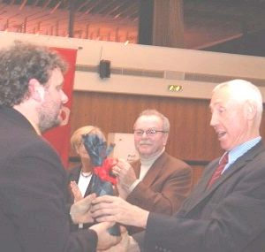 Guido van den Berg gratuliert Hans Krings