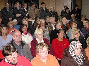 Viele Mieter der Erftland waren zu der SPD-Veranstaltung ins Medio gekommen.