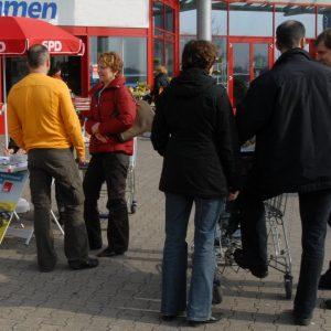 Unterschriftensammlung der SPD in Bedburg