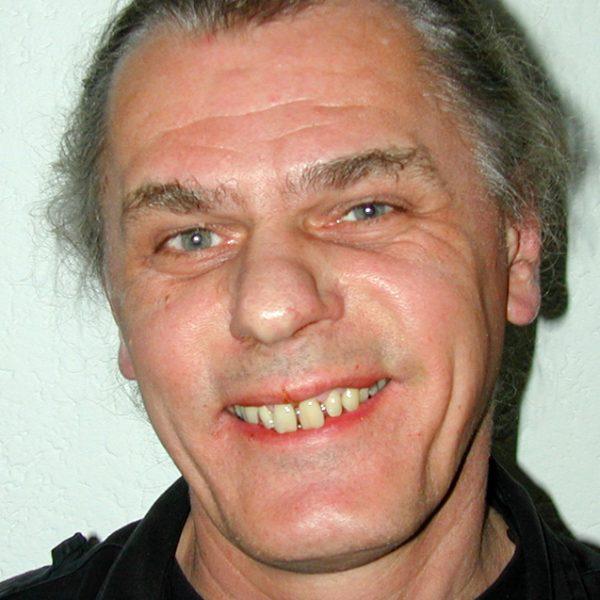 Dr. Peter Peil