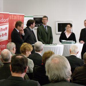 v.l.n.r.: Michael Eyll-Vetter (RWE Power), Guido van den Berg (stv. Vorsitzender der SPD-Kreistagsfraktion), Uwe Schölmerich (Leiter Regionalforstamt Rhein-Sieg-Erft), Cornelia Ruhkemper MdL, Dr. Joachim Bauer (Stadt Köln)
