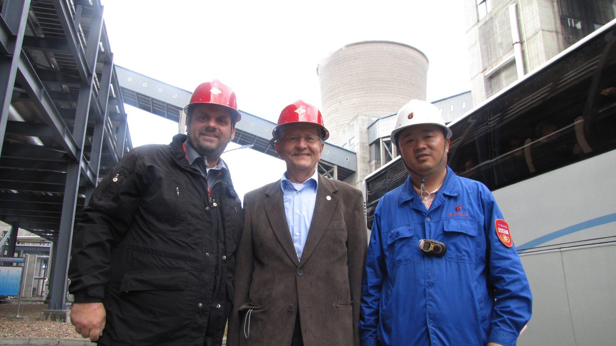 Besuch der Rongxin Synthesegasanlage in der Inneren Mongolei (China) im Rahmen der Internationalen Freiberg Conference 2015 durch Prof. Bernd Meyer von der TU Bergakademie Freiberg und Guido van den Berg MdL