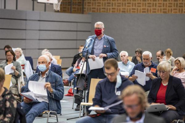 Rudi Nitsche spricht zu seinem Änderungsantrag